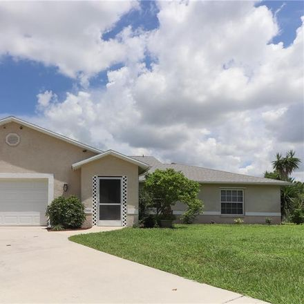 Rent this 3 bed house on 4544 Golfview Boulevard in Golf View Manor, FL 33973