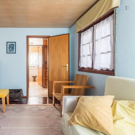 Rent this 2 bed apartment on Rua 25 de Abril in 4510-323 Fânzeres e São Pedro da Cova, Portugal