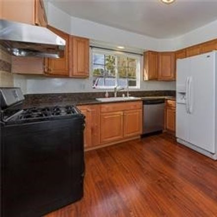 Rent this 3 bed house on 7716 Owensmouth Avenue in Los Angeles, CA 91304