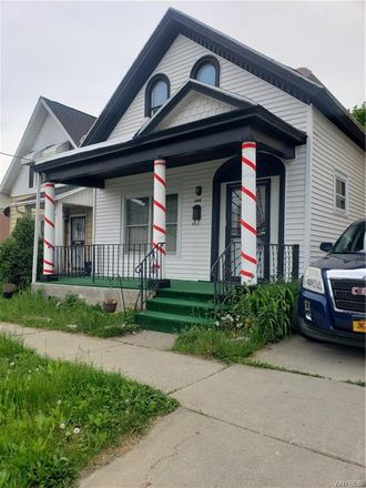 Rent this 3 bed house on 184 Maple Street in Buffalo, NY 14204