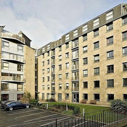 Rent this 3 bed apartment on 21 Annandale Street in City of Edinburgh, EH7 4AN