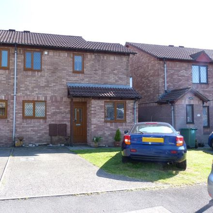 Rent this 2 bed house on Silverton Drive in Llantrisant CF72 8BG, United Kingdom