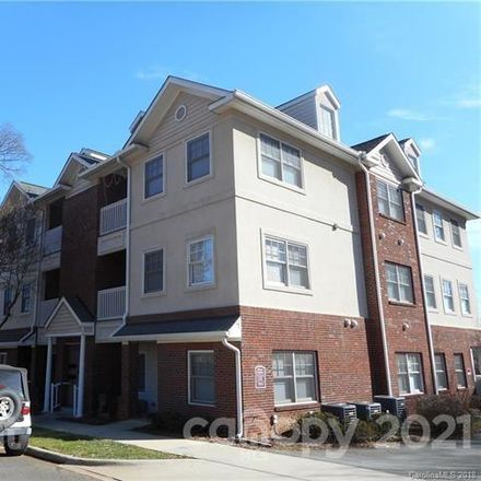 Rent this 3 bed condo on 123 South Summit Avenue in Charlotte, NC 28208