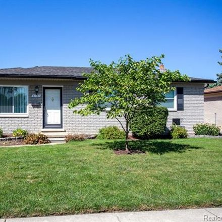 Rent this 3 bed house on 27143 Perry Street in Roseville, MI 48066