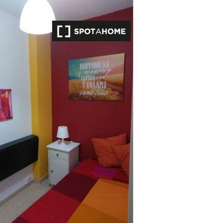 Rent this 6 bed apartment on Calle Corinto in 1, 28804 Alcalá de Henares