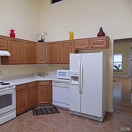 Rent this 3 bed townhouse on 5551 Stonecroft Ln in Allentown, PA