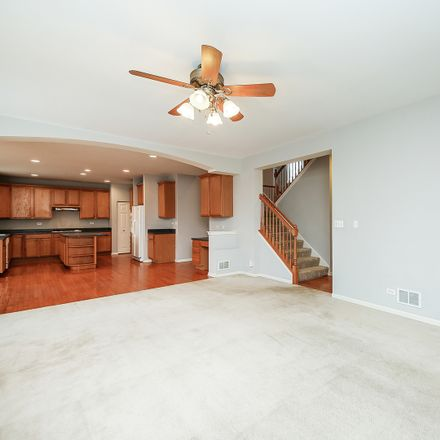 Rent this 5 bed loft on 607 Mansfield Way in Oswego, IL 60543