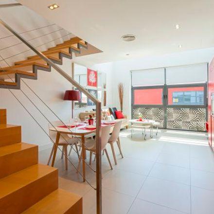 Rent this 2 bed apartment on Espacios Baluarte in Carretera de Fuencarral a Alcobendas, 28001 Madrid