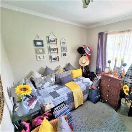 Rent this 2 bed townhouse on Valleisig in Tipperary Road, Tshwane Ward 44