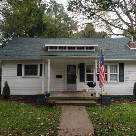 Rent this 3 bed house on 610 South 3rd Street in Niles, MI 49120