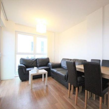 Rent this 2 bed apartment on Roehampton House in 39 Academy Way, London RM8 2FG