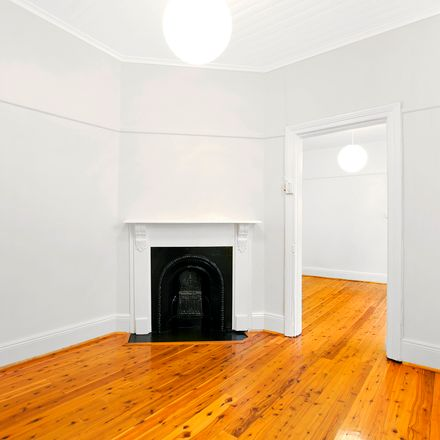Rent this 2 bed house on 16 Victoria Street