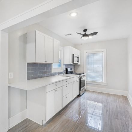 Rent this 2 bed townhouse on Washington Ave E in Washington, NJ
