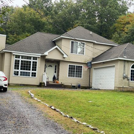Rent this 3 bed house on 108 Shawnee Trl in Albrightsville, PA