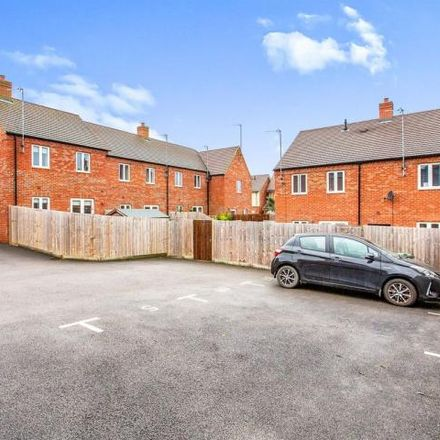 Rent this 3 bed house on Station Road in Thrapston, NN14 4JY