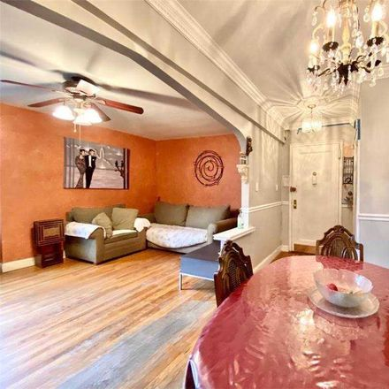 Rent this 3 bed condo on 14 139th St in Flushing, NY