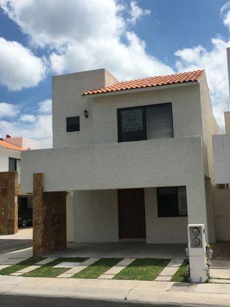 Rent this 3 bed apartment on Santa Fe in Delegaciön Santa Rosa Jáuregui, 76100 Juriquilla