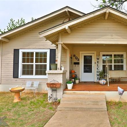 Rent this 2 bed house on 802 Palm Street in Abilene, TX 79602