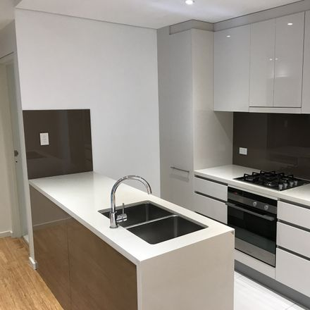 Rent this 2 bed apartment on A305/76-82 Gordon Crescent