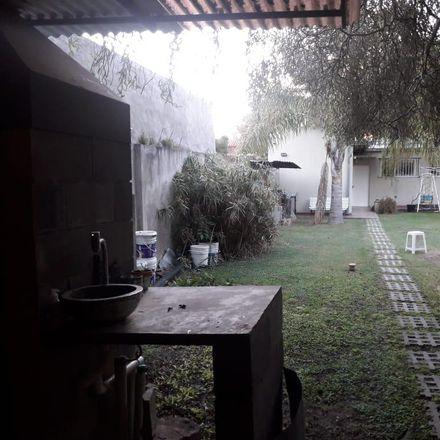 Rent this 4 bed apartment on Calle 449 in Partido de La Plata, B1894 ZAA City Bell