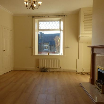 Rent this 2 bed house on Longwood Gate in Kirklees HD3 4UP, United Kingdom