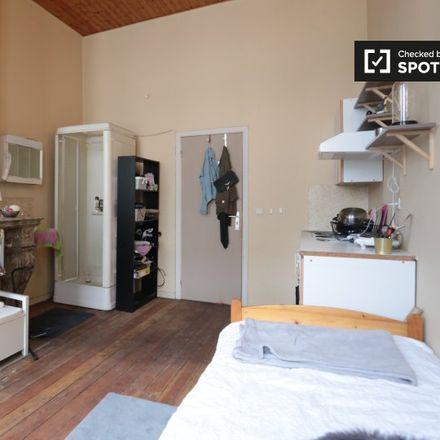 Rent this 0 bed apartment on Rue Royale - Koningsstraat 284 in 1210 Saint-Josse-ten-Noode - Sint-Joost-ten-Node, Belgium