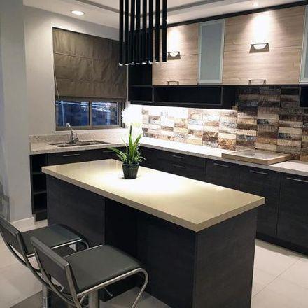 Rent this 4 bed house on 509 Quezon Boulevard in Santa Cruz, 1002