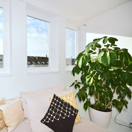 Rent this 1 bed apartment on Fehrbelliner Straße 35 in 10119 Berlin, Germany