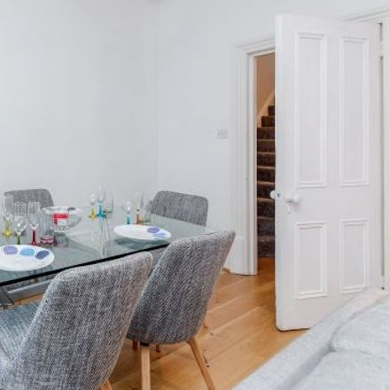Rent this 5 bed apartment on 8-10 Great Titchfield Street in London W1W 8SR, United Kingdom