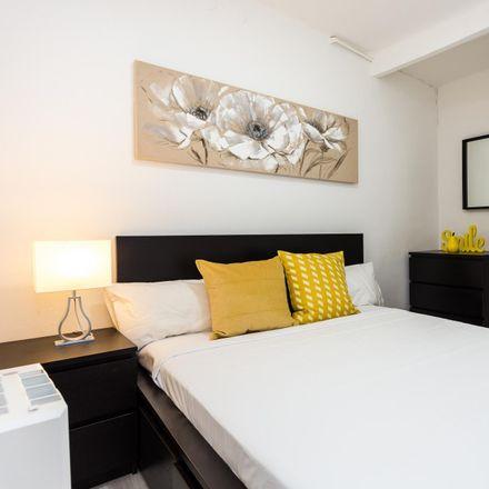 Rent this 3 bed apartment on Carrer de la Florida in 08905 l'Hospitalet de Llobregat, Spain