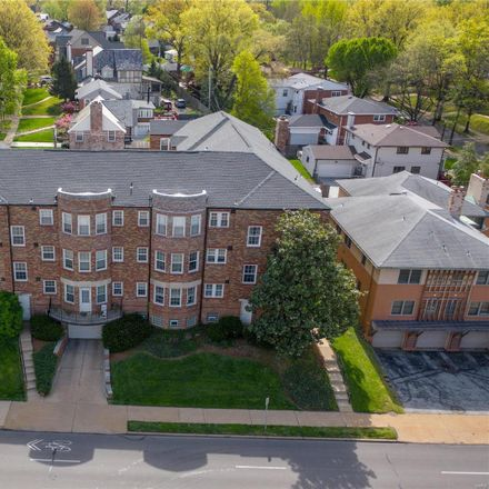 Rent this 2 bed condo on 8052 Davis Drive in Clayton, MO 63105
