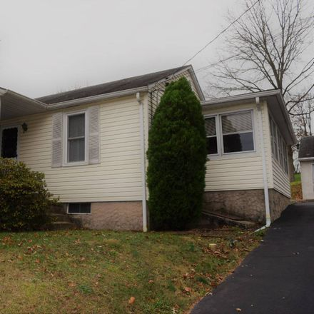 Rent this 3 bed apartment on 1416 Wind Hill Rd in Coopersburg, PA