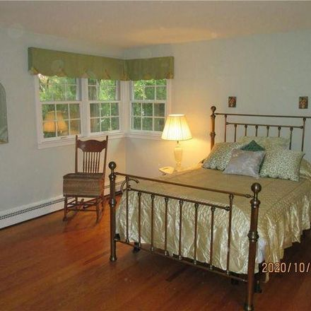 Rent this 3 bed house on Seventh Day Adventist Church in Holland Place, Town of Greenburgh