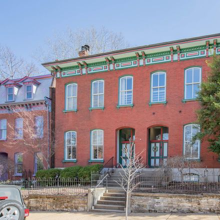 Rent this 2 bed condo on 2320-2322 South 11th Street in City of Saint Louis, MO 63104