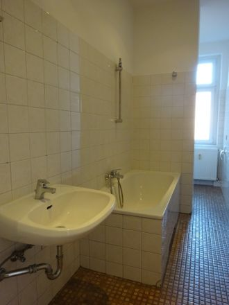 Rent this 1 bed apartment on Staakener Straße 17 in 13581 Berlin, Germany