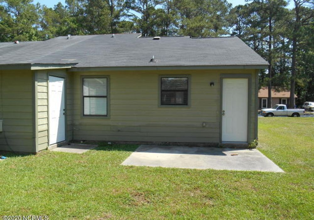 2 bed duplex at 122 Twinwood Drive, Jacksonville, NC 28546 ...