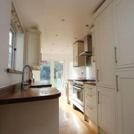 Rent this 3 bed house on 40 in 40 Highlands Road, Horsham RH13 5LU