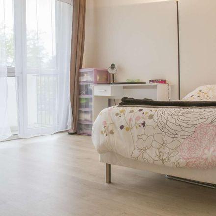 Rent this 6 bed room on 31 Avenue Georges Duhamel in 94000 Créteil, France