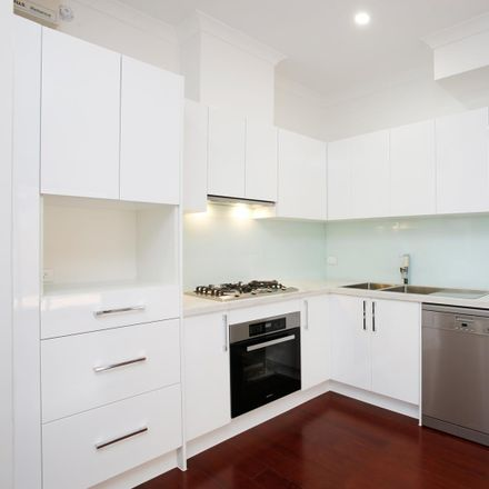 Rent this 2 bed apartment on 3/903-905 Canterbury Road