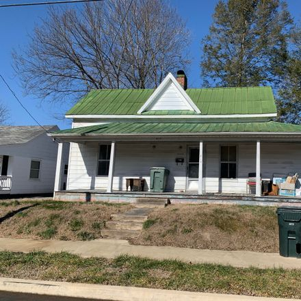 Rent this 2 bed house on 814 Carson Street in Greeneville, TN 37743