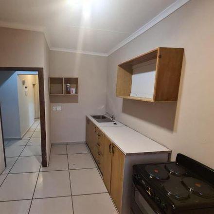 Rent this 3 bed house on Koos de la Rey Street in Everleigh, Boksburg