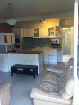 Rent this 2 bed house on 2/194 High Street