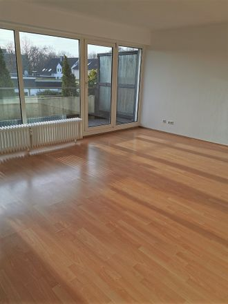 Rent this 3 bed apartment on Bezirksdienst Kaarst in Rathausstraße 5, 41564 Kaarst