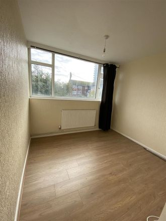 Rent this 2 bed apartment on Mandir Temple in Stuart Court, Coventry CV6 7GZ