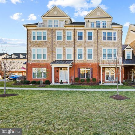 Rent this 3 bed loft on Sunset Ridge Ct in Centreville, VA