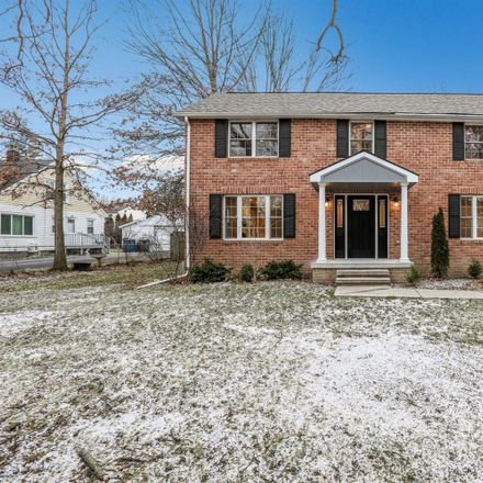 Rent this 3 bed house on 2492 Oakdale Dr in Ann Arbor, MI