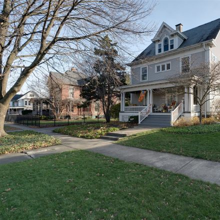 Rent this 3 bed house on 306 East Washington Street in Pontiac, IL 61764