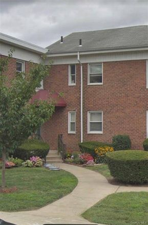 Rent this 2 bed condo on Winchester Ave in Yonkers, NY