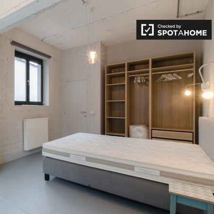 Rent this 2 bed apartment on Rue d'Artois - Artesiëstraat 25 in 1000 Ville de Bruxelles - Stad Brussel, Belgium