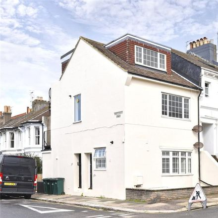 Rent this 2 bed apartment on Montgomery Street in Hove BN3 5BF, United Kingdom